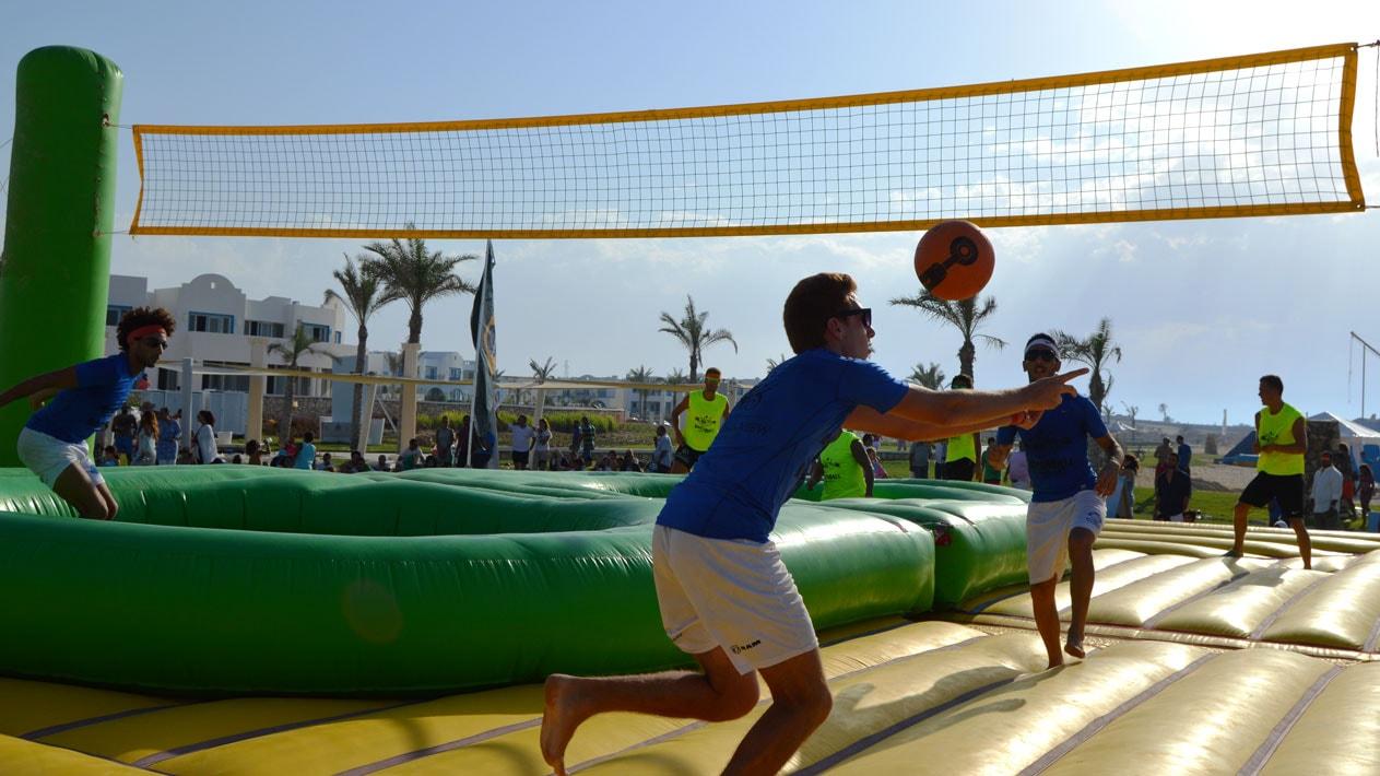 Exhibición deportiva Nuevos deportes Bossaball deportes híbridos voleibol fútbol gimnasia música